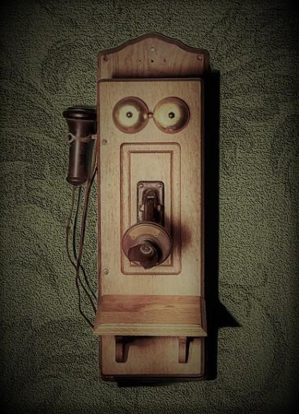 Fleur Green phone (3)