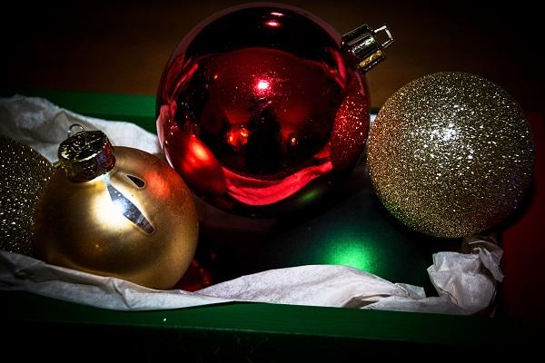 round christmas 01